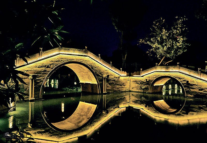 Light projecting bridge facade design idea for outdoor LED high power wall washer lights